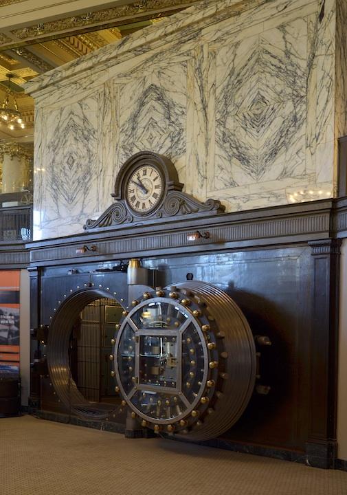 Bank Vault Doors : Moto foodie in milwaukee touringroads travel adventure
