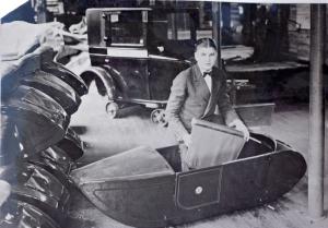 Hendee Mfg. sidecar shop.