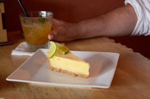 Key lime pie and margarita